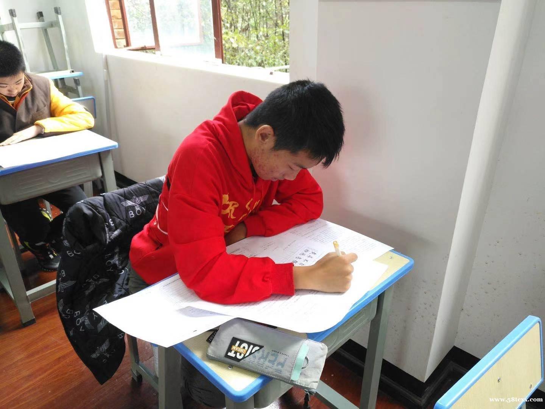 云南省昆明高考冲刺机构哪家教的好?